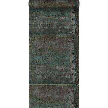 carta da parati grandi lastre metalliche arrugginite alterate e invecchiate dalle intemperie con rivetti marrone e blu petrolio chiaro